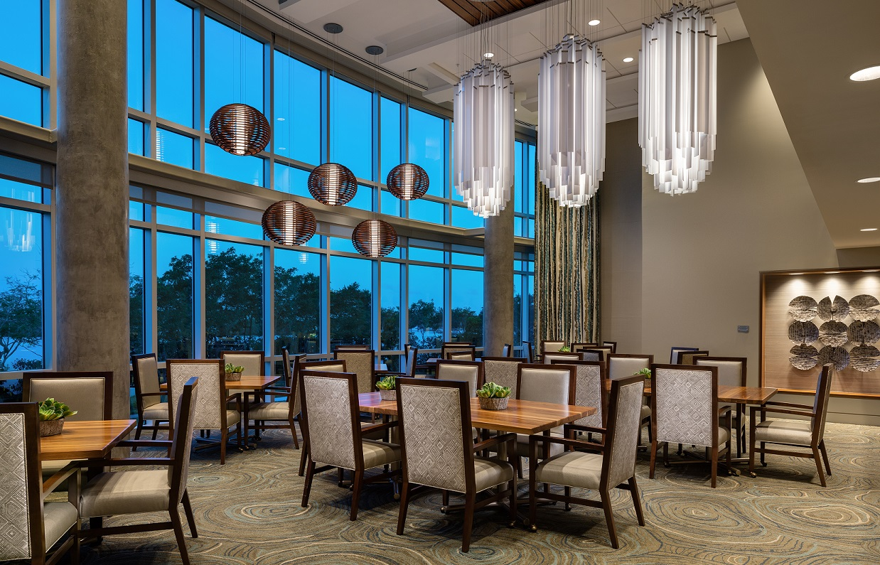 assisted-living-dining